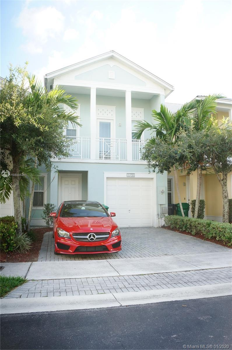 Gorgeous Townhome at The Reserve at Doral EAST. Unit has 3 bed & 3 bath, comfortable kitchen with st