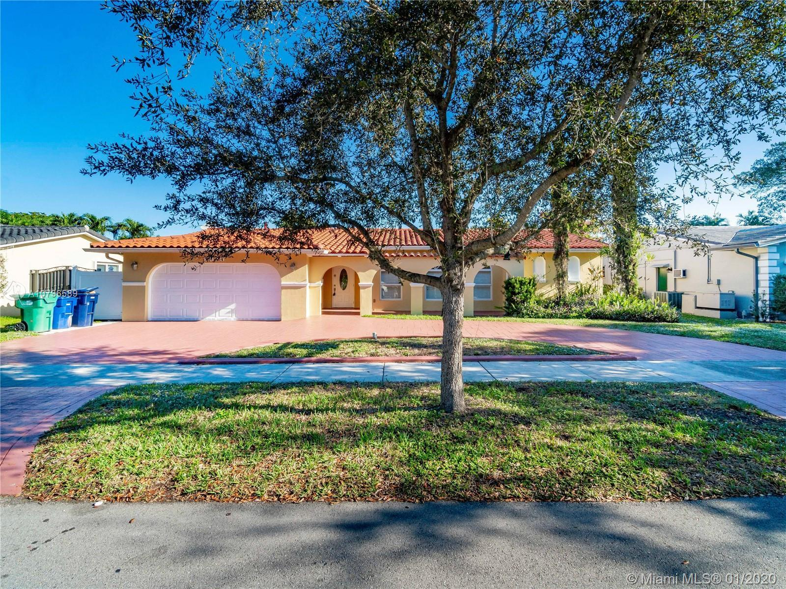 Welcome Home. Located in the heart of Miami Lakes. Short walk to Top Rated schools. This home is con
