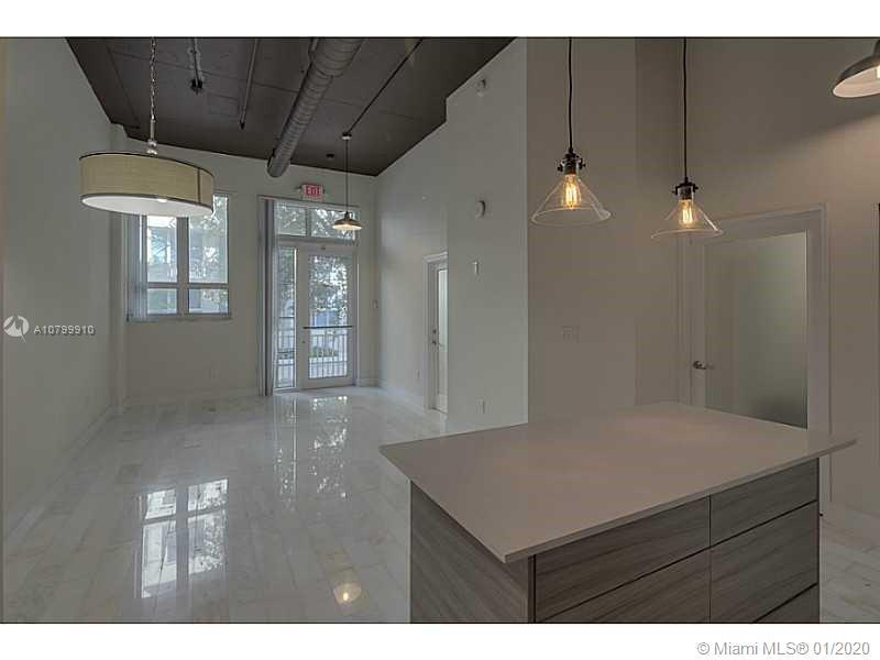 Very Rare modern 1bed/1bth NY style Loft. Exceptional unit, entrance from street-front and interior