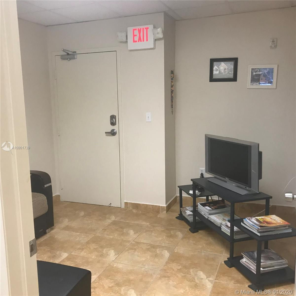 CENTRAL LOCATION, PROFESSIONAL OFFICE BUILDING NEAR EVERYTHIG. CONVENIENT FIRST FLOOR LOCATION.