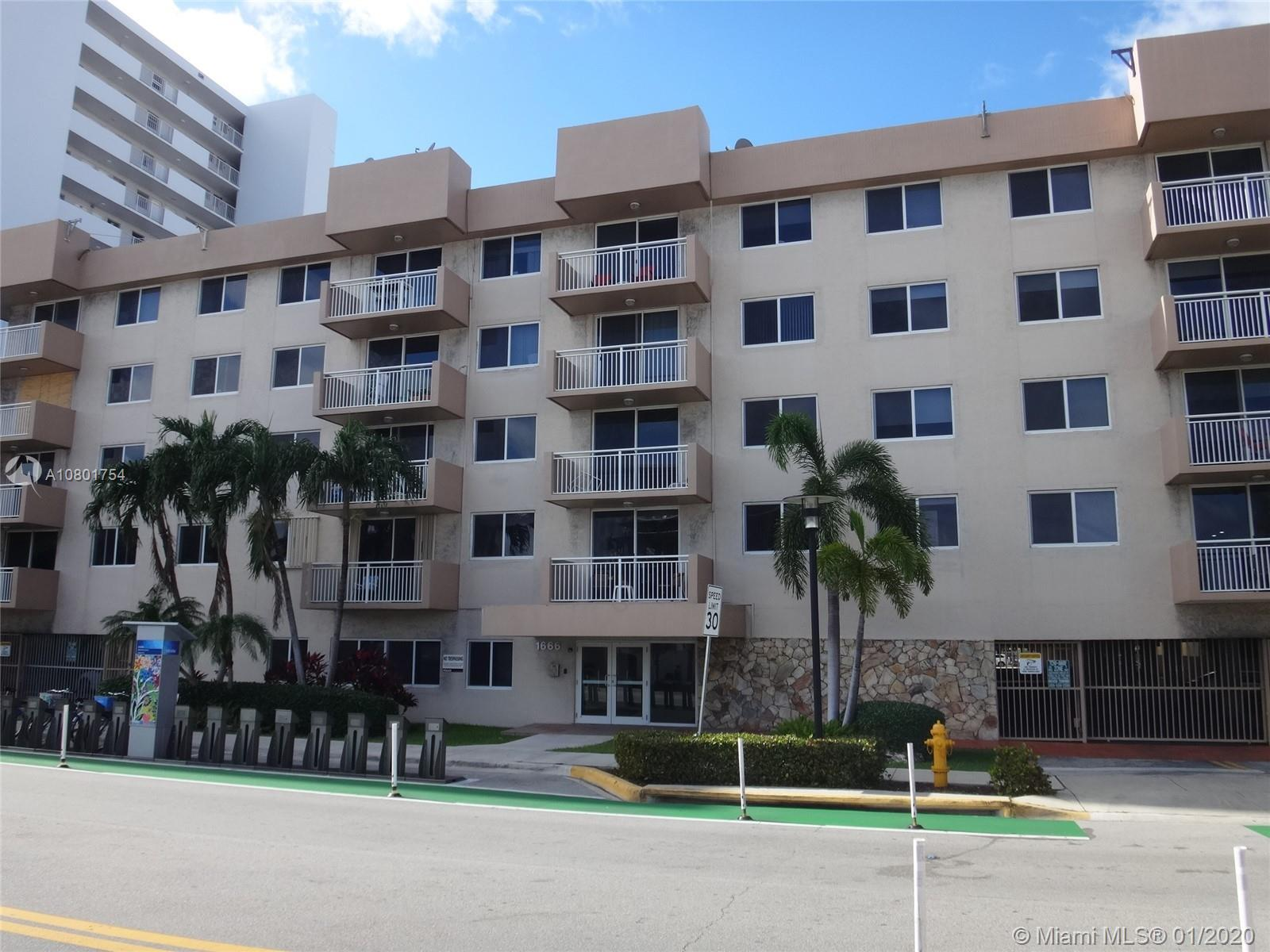 Great 2 Bedroom/2 Bathroom Condo in the Heart of South Beach! Unit Features Tile Floors Throughout.