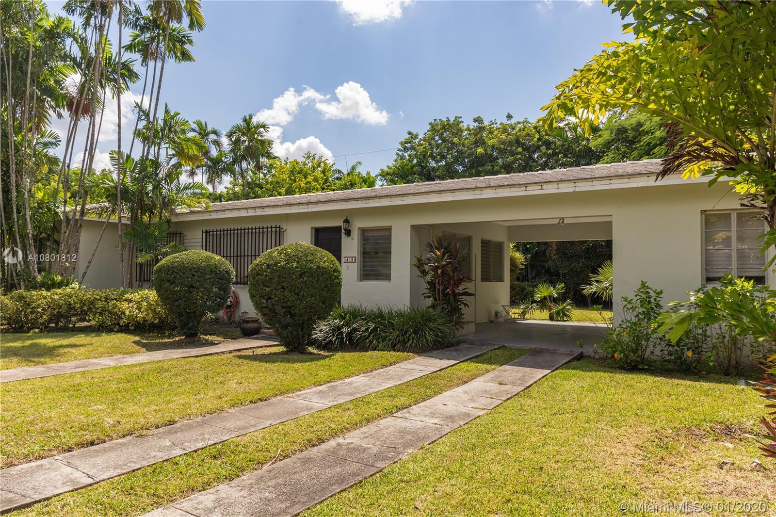 Excellent investor opportunity, located in the heart of Coral Gables, in the Coral Gables Granada Se