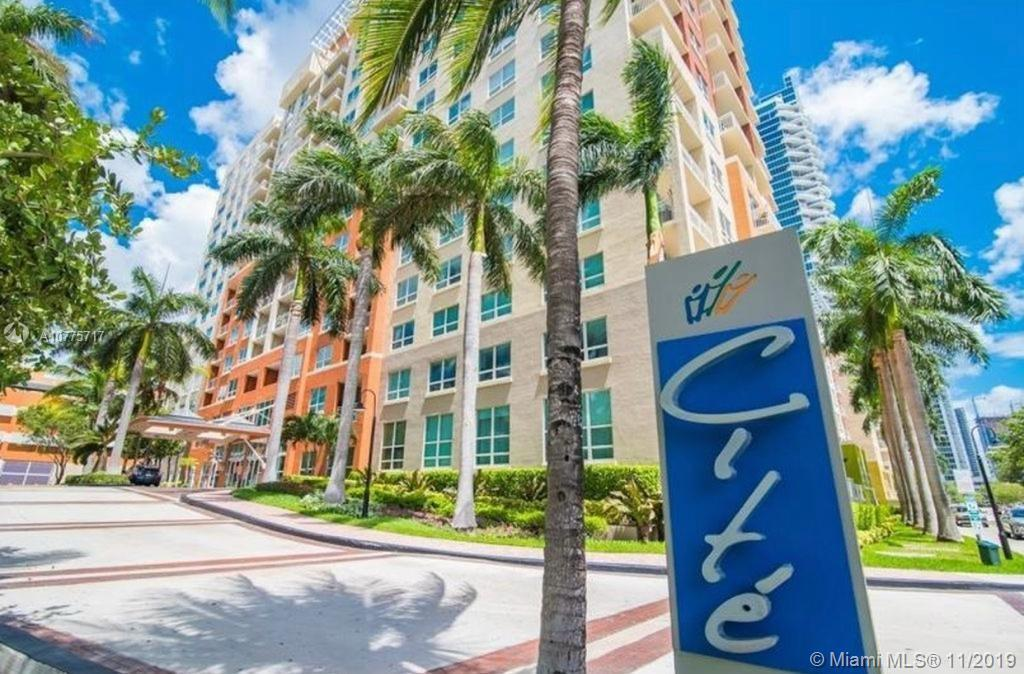 CITE on the Bay, in the heart of Edgewater. Completely remodel unit.Wonderful split floor plan. This