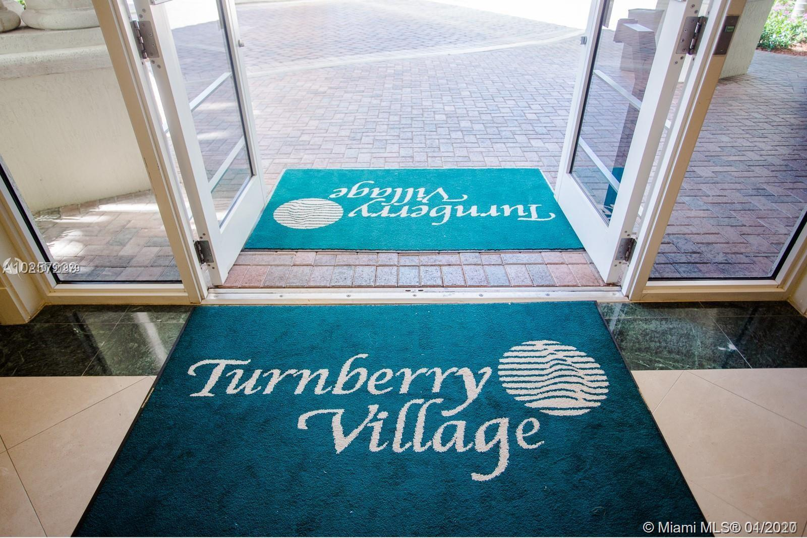 BEAUTIFUL 2 BEDROOMS 2 BATHROOMS WITH ALL THE UPGRADES, LOCATED IN TURNBERRY VILLAGE ON THE GOLF COU