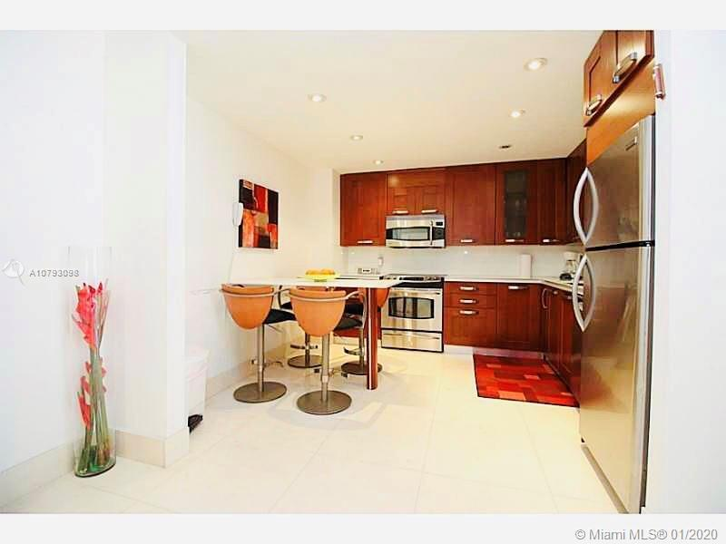 Elegant, Sophisticated & very bright residence in the best buildings in Bal Harbour. This unit featu
