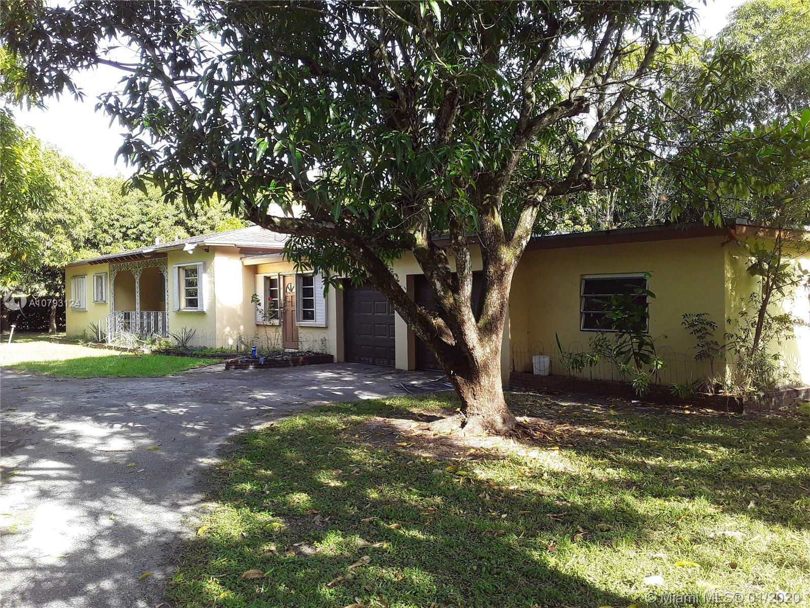 GREAT CORNER LOT IN THE CITY OF PINECREST!!!!CENTRALLY LOCATED, THIS PROPERTY IS READY FOR DEMOLITIO
