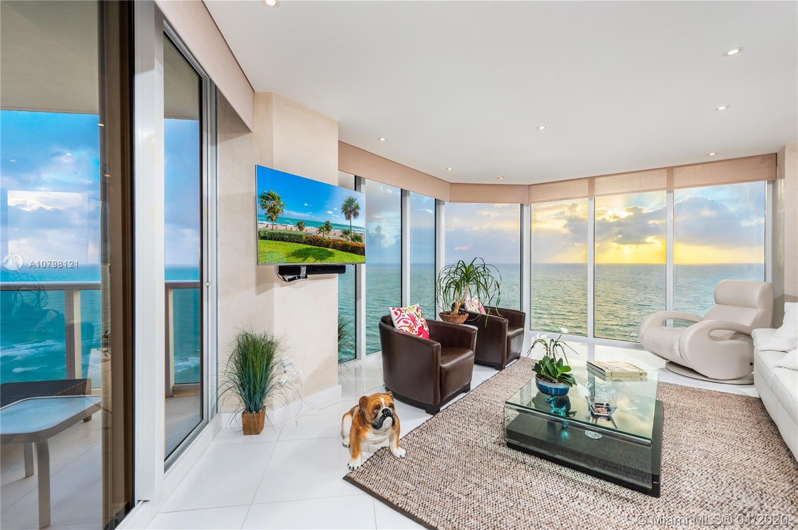 DIRECT OCEAN VIEW 3bd/4.5bath fully remodeled apartment.