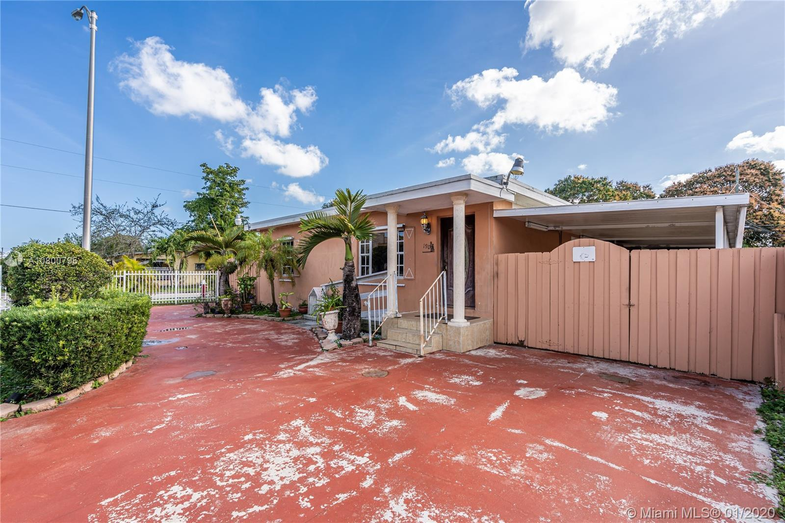 Beautiful single family corner lot home in the Hialeah neighborhood. Right in front of Hialeah High