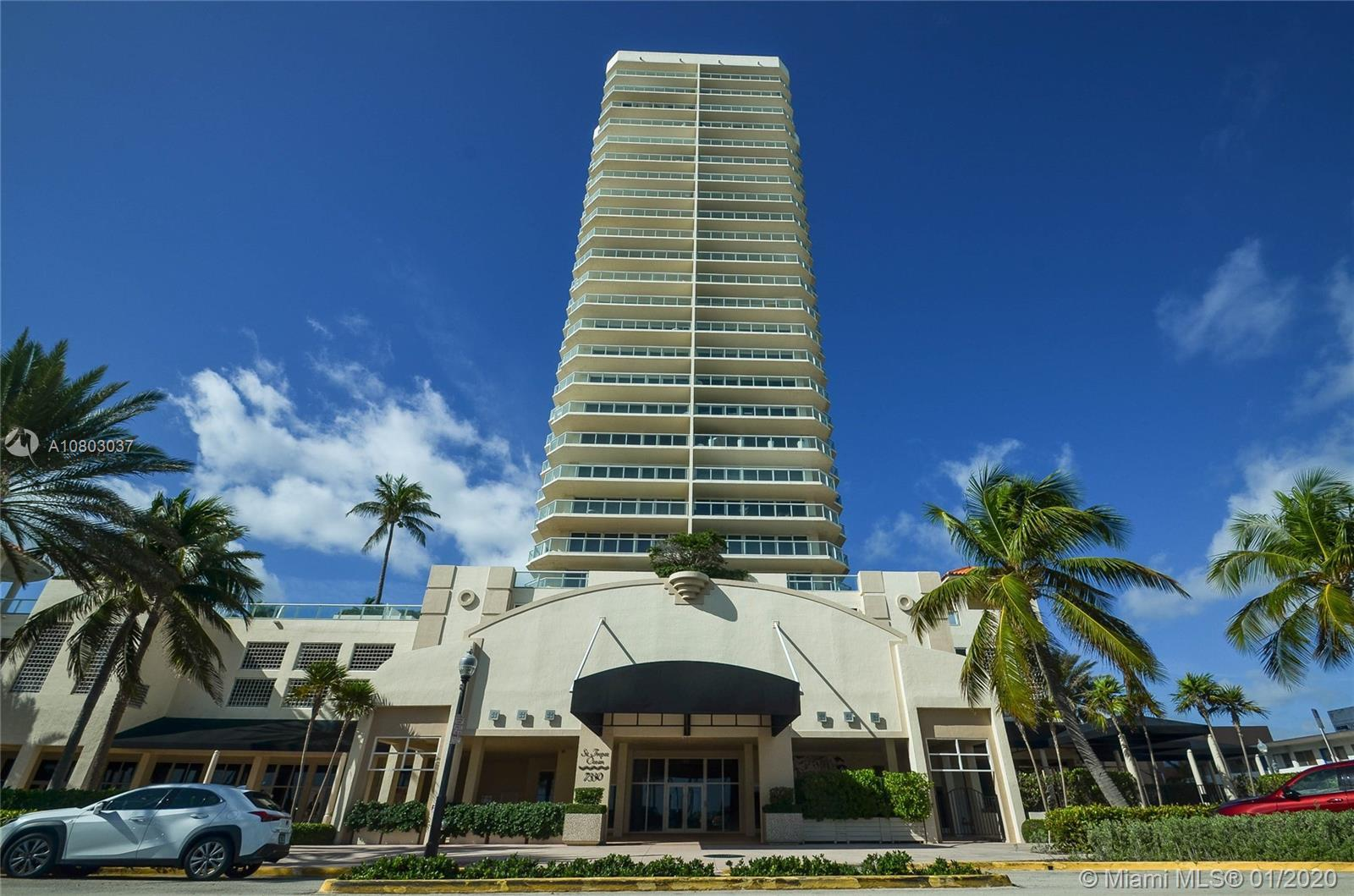 Oceanfront S.E. Corner PH with amazing views of Direct Ocean and Miami Skyline at perfect price! Thi