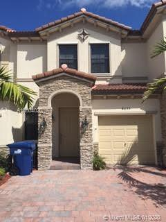 3 BEDROOMS AND 2.5 BATHROOMS TOWNHOUSE WITH AMAZING LAKE VIEW, 1 CAR GARAGE, KITCHEN WITH GRANITE CO