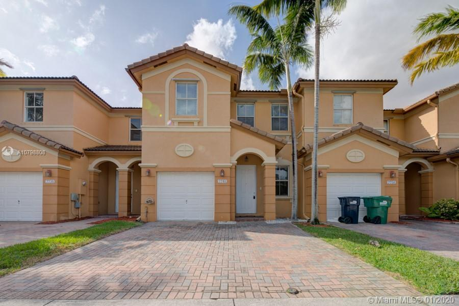 Gorgeous 4 bedroom, 2.5 bathroom townhouse in Winward Doral. This property offers 1,894 sq ft living