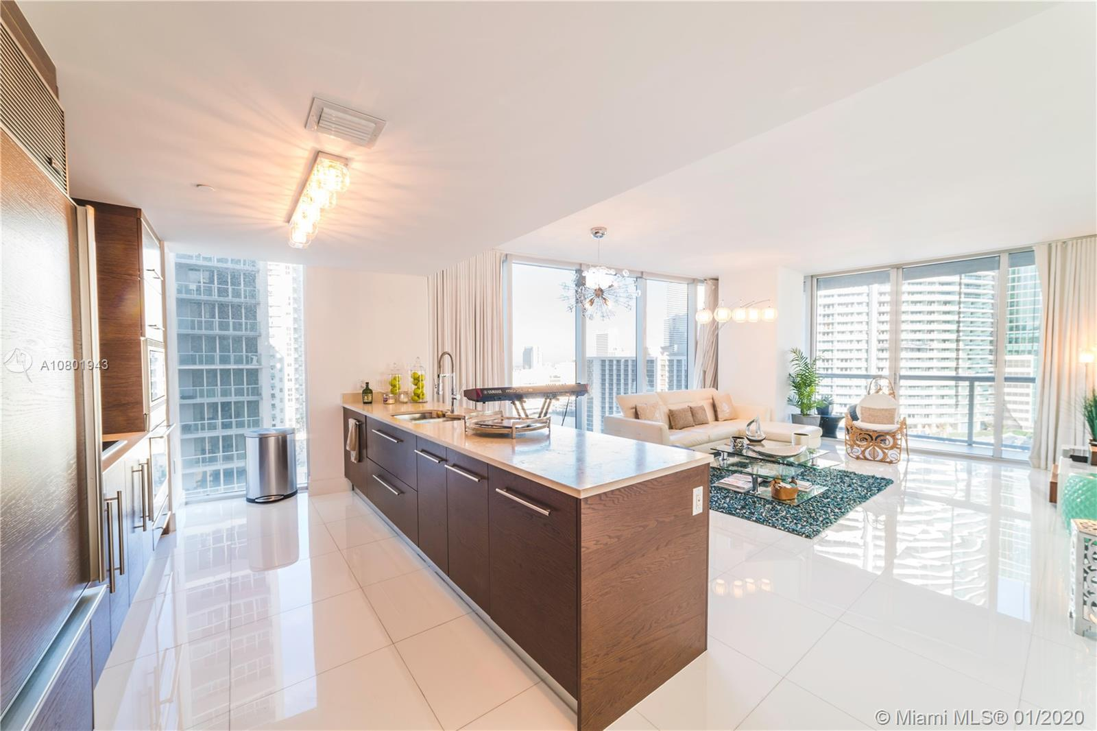 Spectacular, bright and spacious 2 bedrooms and 2 bathrooms corner unit with breathtaking views of B