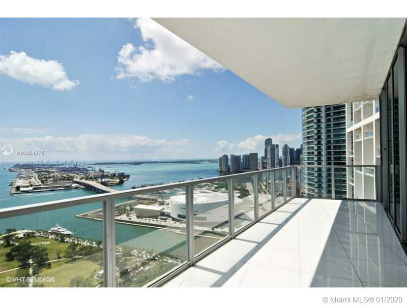 Corner Unit with Abundance of natural lighting and views extending over all of south beach. Floor to