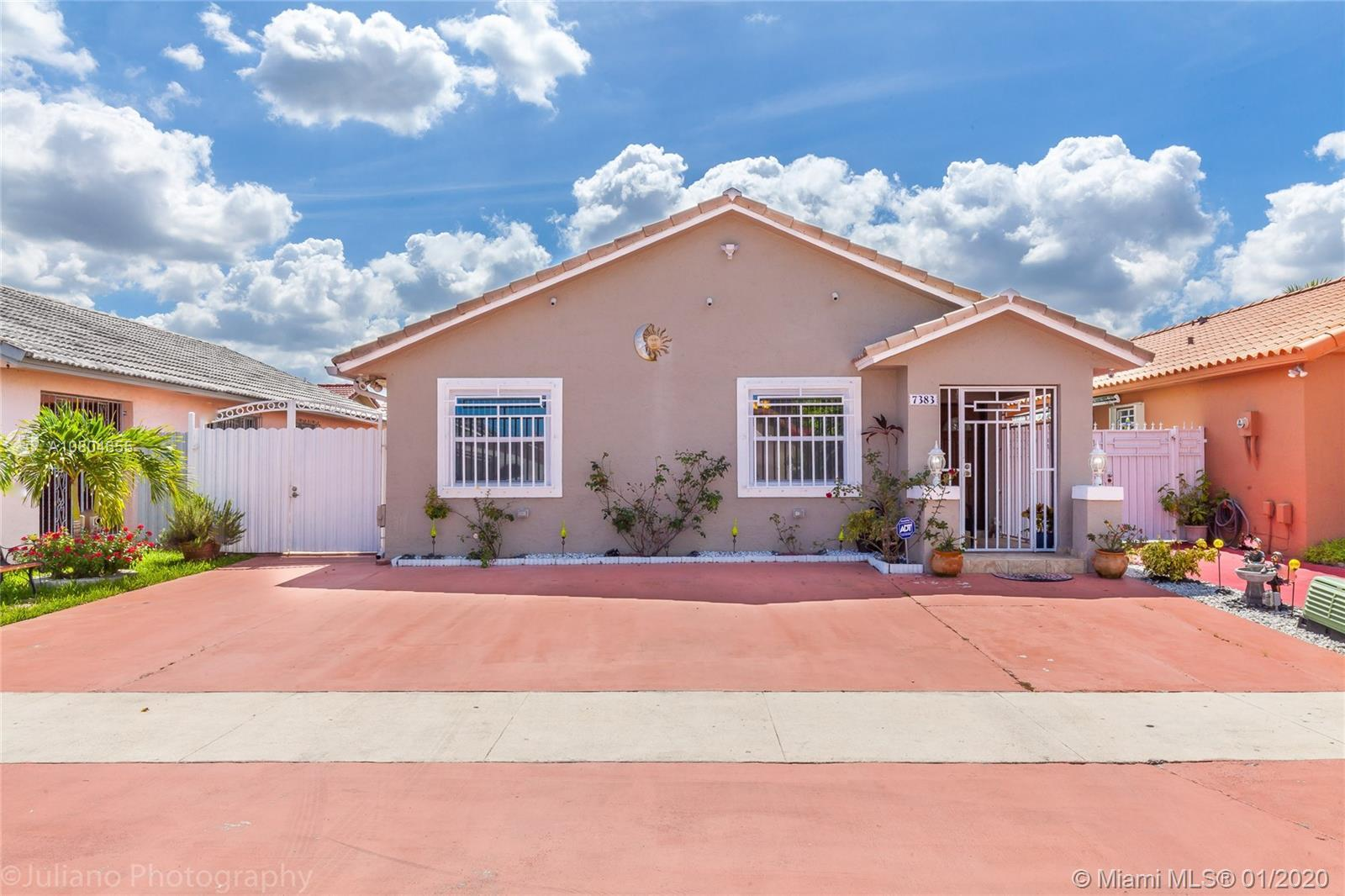 BEAUTIFUL 3 BEDROOM/2 BATHROOM HOME LOCATED IN HIALEAH. EASY TO SHOW, NEAR MAJOR SHOPPING CENTERS, P