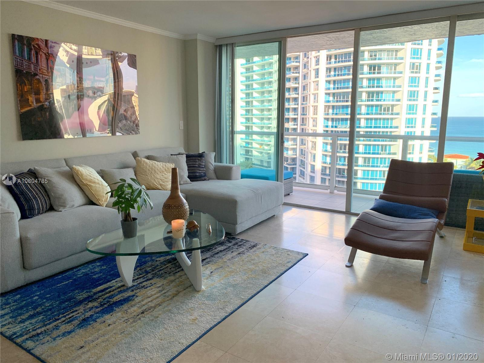 Wake up every morning to the fabulous and direct Ocean view from this 2 Beds/2 Baths residence locat