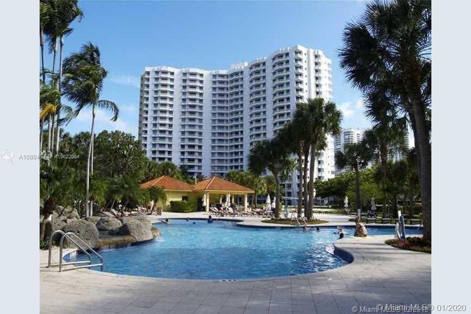 BEAUTIFUL 2/2 CONDO WITH SPECTACULAR VIEWS !!! PARC CENTRAL!! BEST LOCATION IN AVENTURA!! RESORT STY