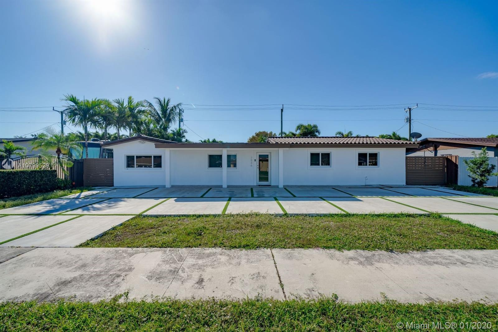 Beautiful and modern Single Family home located on Palm Springs Community. Open Floor Plan with 4 Be