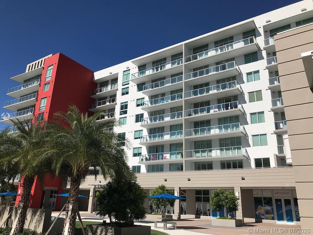 Excellent opportunity investment! Like new modern and luxury condo 1 bed / 1 bath located in the hea