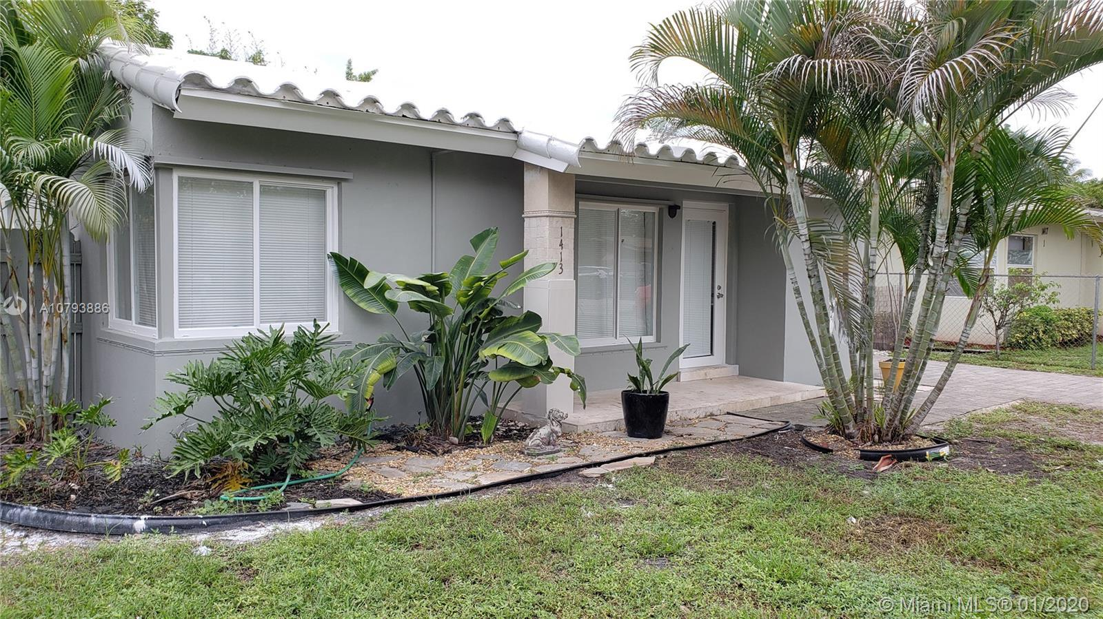 Amazing Single family with a drive way and a large back yard fenced in a desirable area. Marble floo