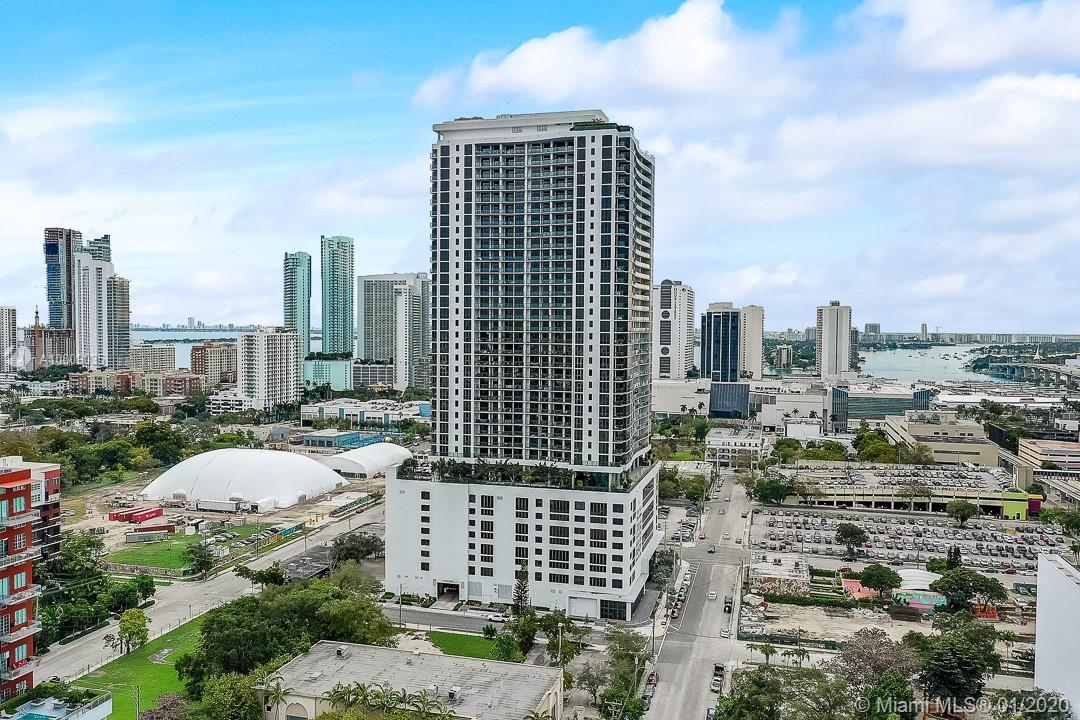 Pristine Unit in the well desired Canvas Luxury Residential Tower... Skyline and Bay Views are the b