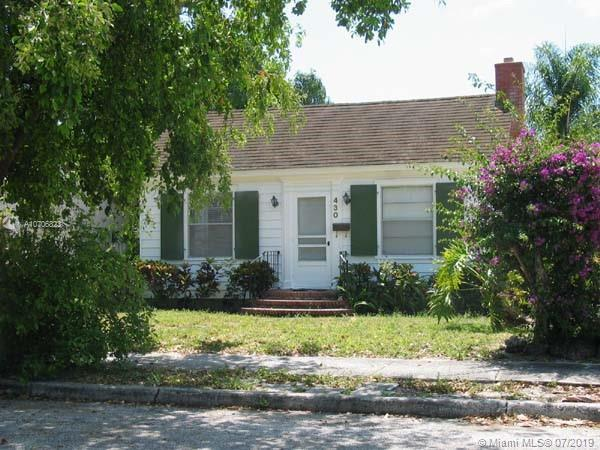 2 Bedroom, 1 bathroom Home in Historic Northwood, West Palm Beach, Florida. Has pool with cabana (fi