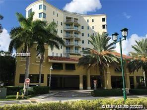 Luxury Fully Upgraded 3 Bed / 3 Full Bath Direct Waterview in in Full Service Building in center of