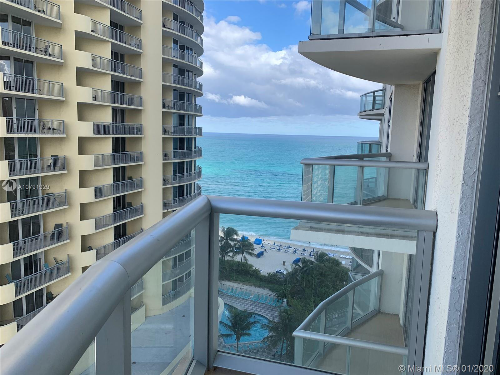 Unit in Condo-Hotel building. 2 Bedrooms/ 2 Bathrooms. Great opportunity for investors. Apartment wi