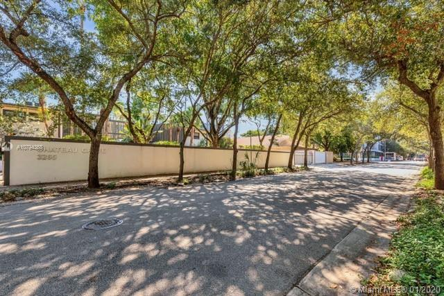 Available for Sale and conveniently located 2 blocks to all coconut grove amenities like Cocowalk, M