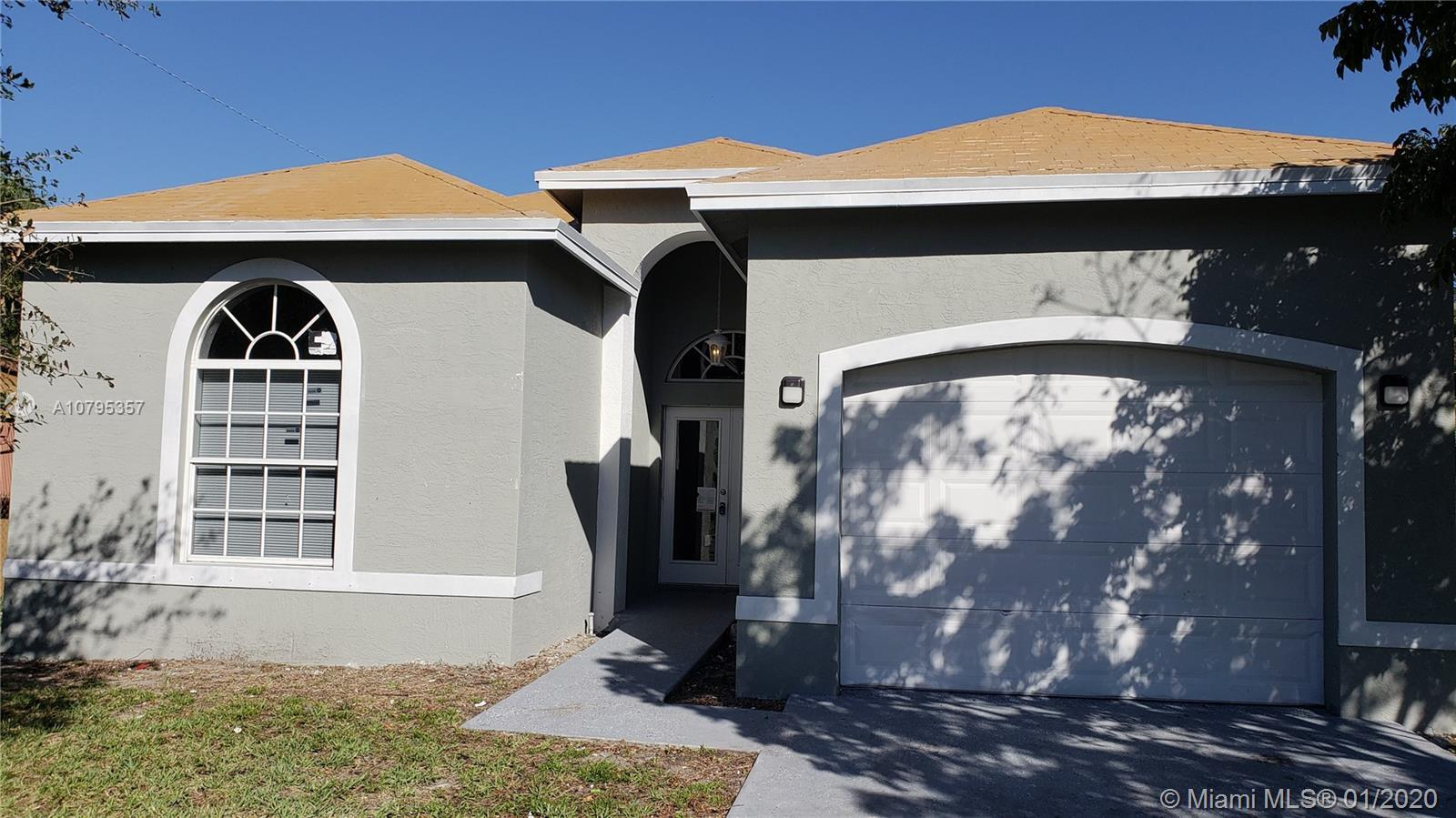 Amazing property building 2008 total sqft 1.865 sqf with a car garage, close to Atlantic. New and st