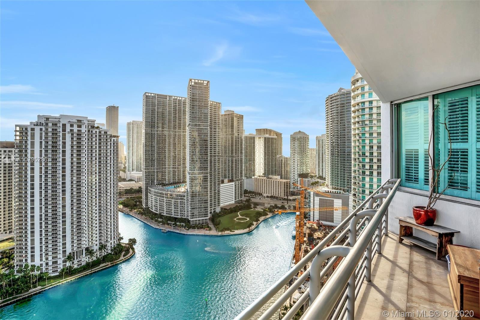 Stunning bay view from every room in this spacious & bright 2,2 at The One Miami West. This fantasti