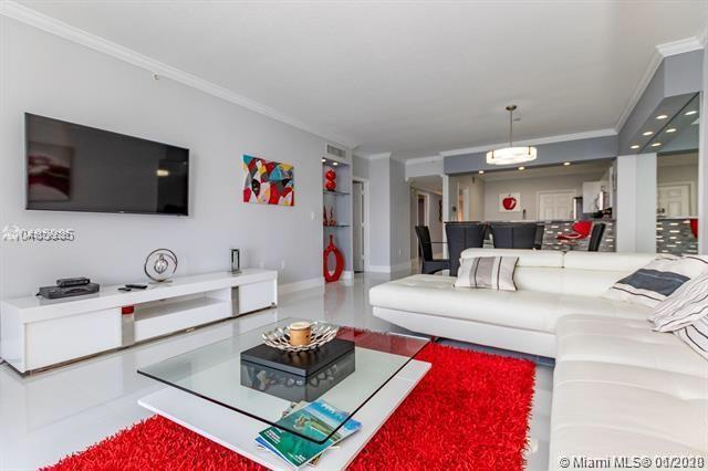 2 bedrooms 2 bathrooms Beautiful Apartment completely renovated, Luxury modern design. Espectacular