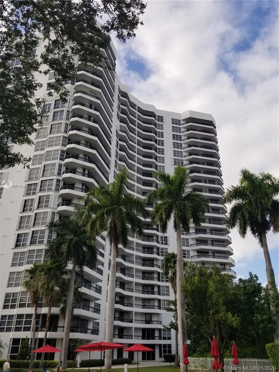 SPECTACULAR...WATER VIEW  PENTHOUSE IN THE AVENTURA AREA, EXCELLENT VIEW FROM LIVING ROOM ALONG WITH