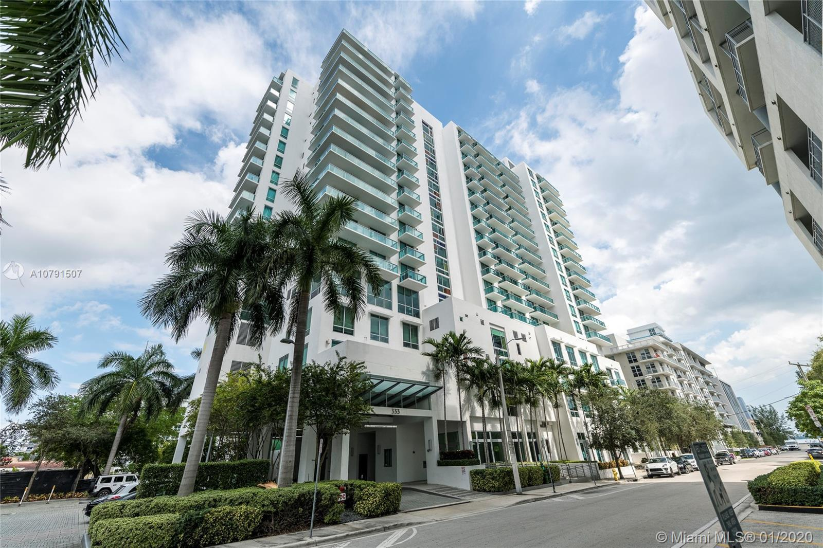 2/2 corner unit with wrap-around balcony and stunning bay views! Split layout which creates two tota