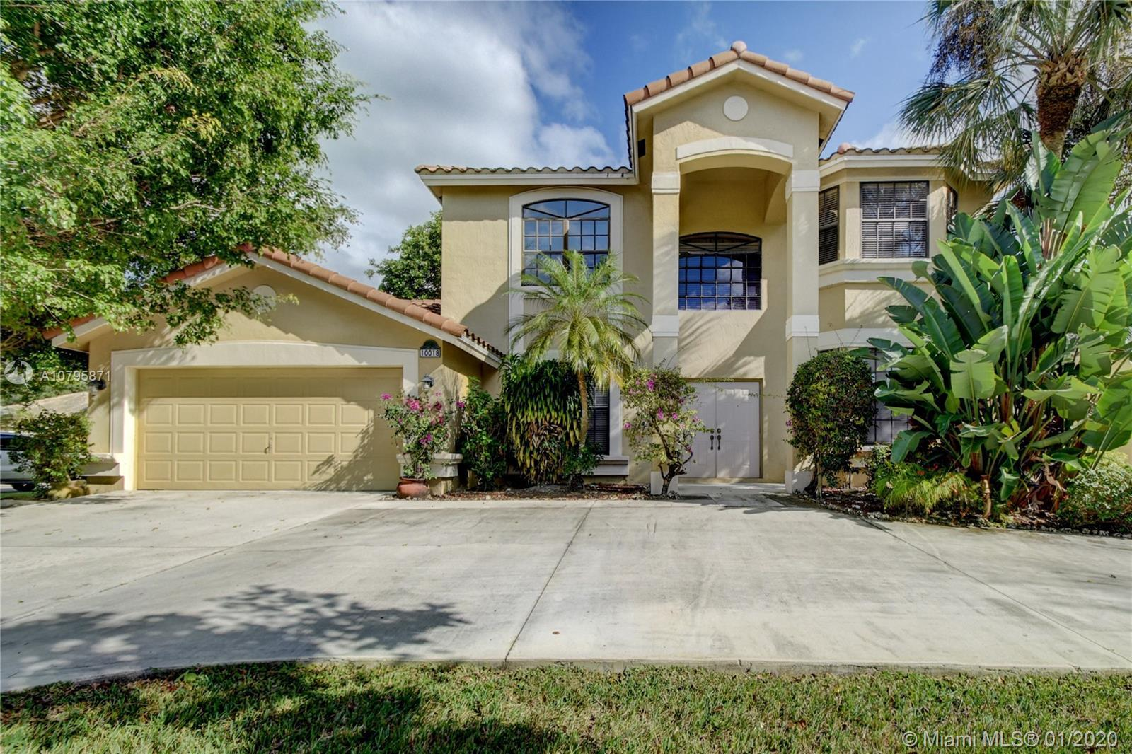Newly renovated 5/3.5 in Boca Raton. Brand new, never-used kitchen with granite countertops and stai