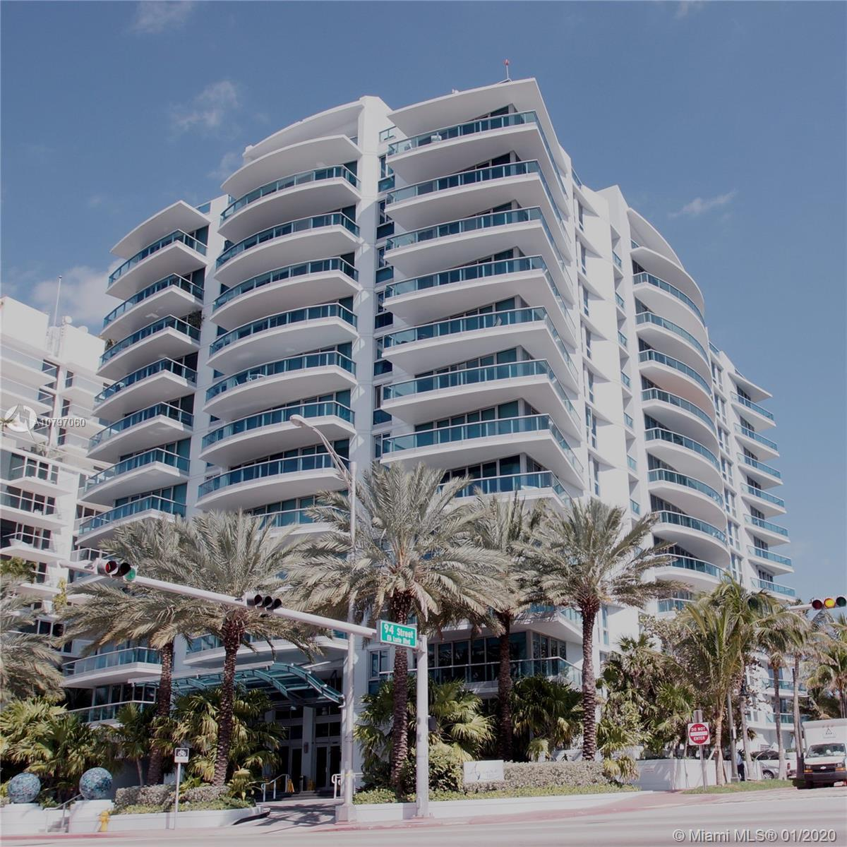 Priced to Sell! Boutique Ocean Front Building. High floor corner unit with both City and Ocean Views