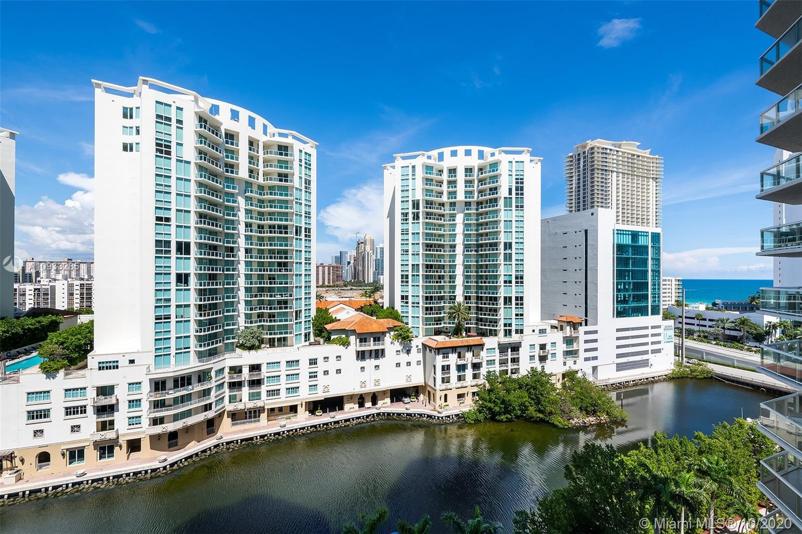 Spectacular Ocean, Intracoastal and City Views from every room as well as the huge wraparound balcon