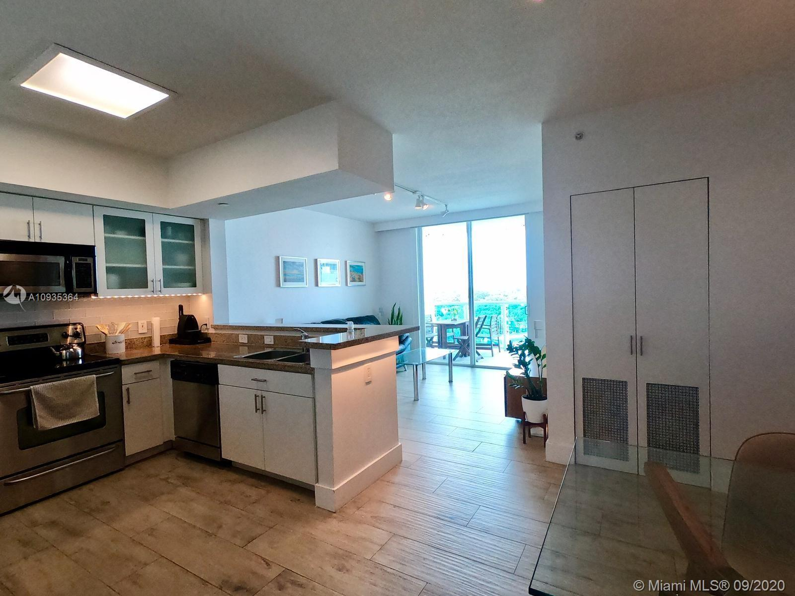 Spotless 2 bedroom, 2 bathroom apartment in a boutique style buiding on quiet cul-de-sac in Brickell