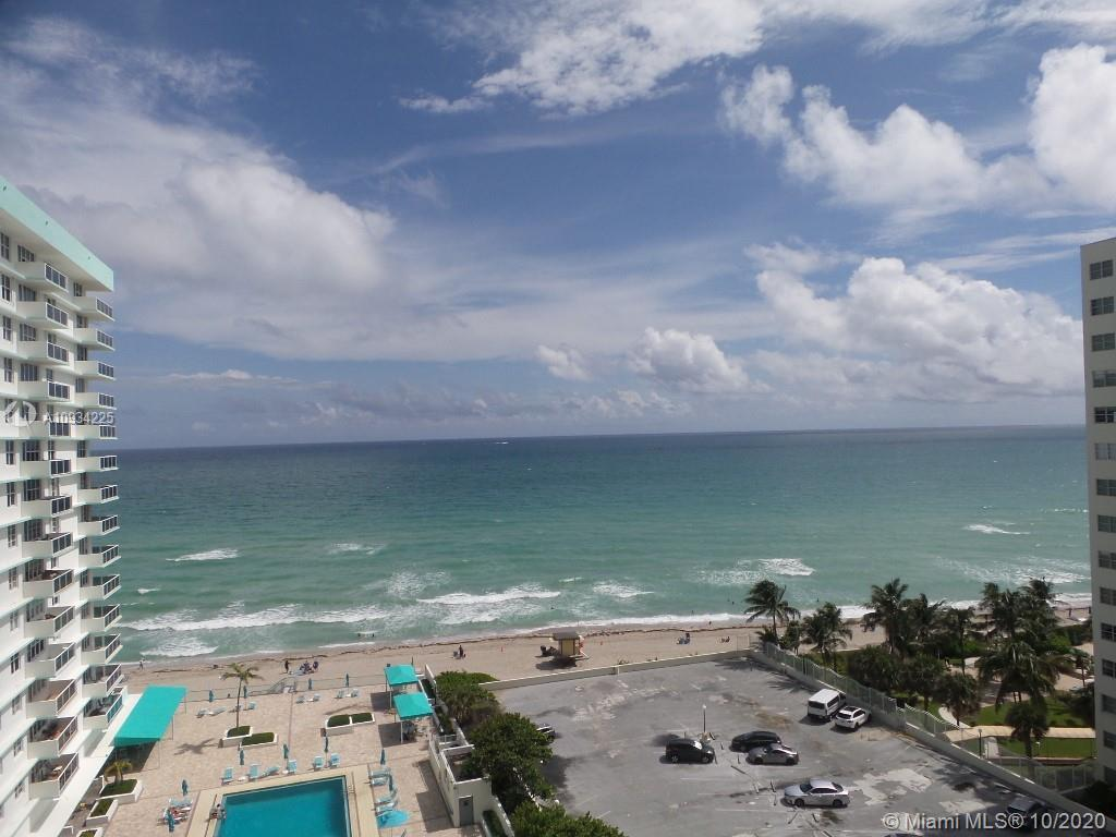 WOW!!! What a view!!!  Direct Ocean View Unit.  2Bedroom 2 Bath, in great amazing conditions. Lots o
