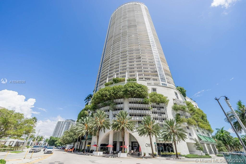 Opera Tower! A design masterpiece by Rolando Llanes in the Heart of Miami! Why sacrifice view for pr