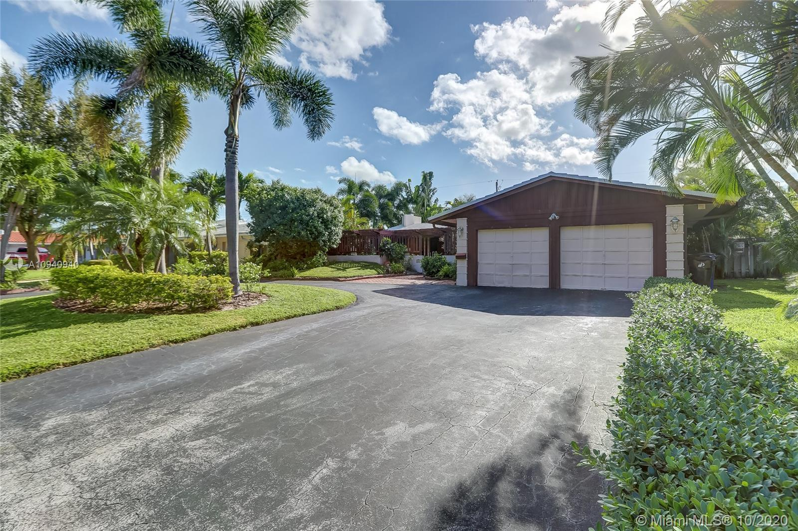 This beautifully renovated move-in ready 2/2 home in the highly sought after Coral Ridges Isles in F