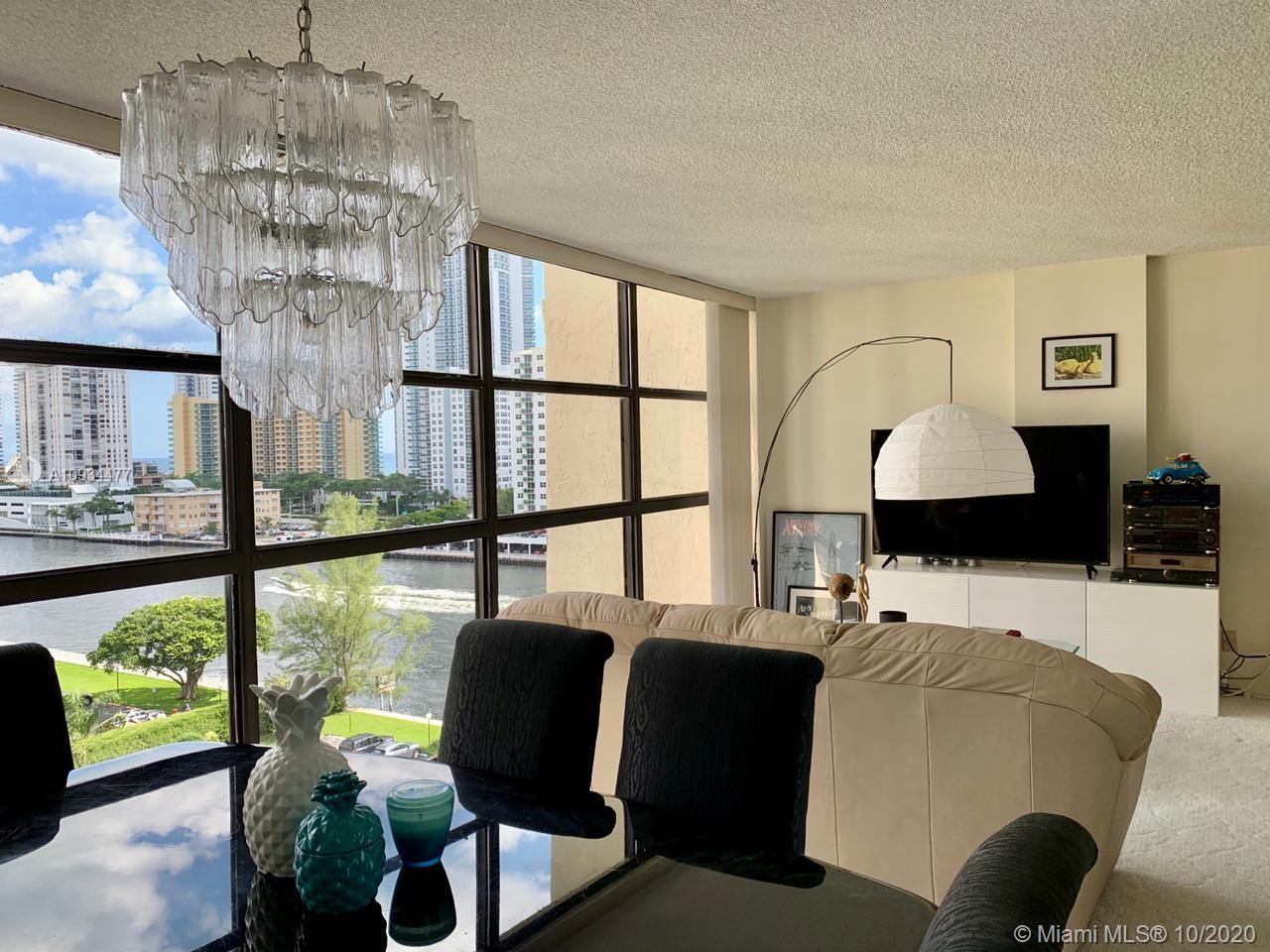 Very Motivated SELLER!!! Spectacular water views, enjoy this 9th floor apartment 2 bedr + 2 bathr, 1
