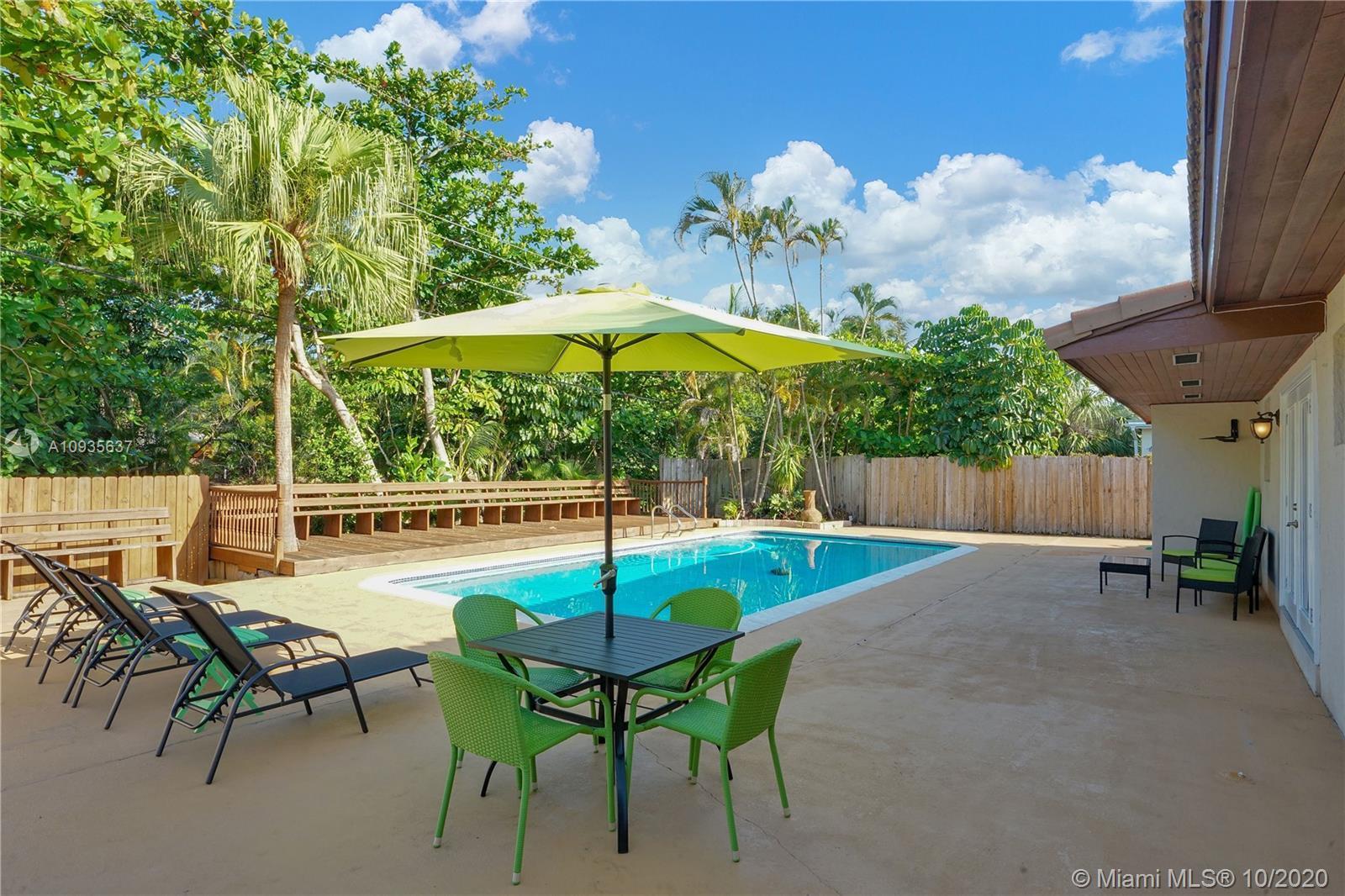 Stunning 3 bedroom, 2 bathroom waterfront home in the Riverland neighborhood of Ft. Lauderdale. Feat
