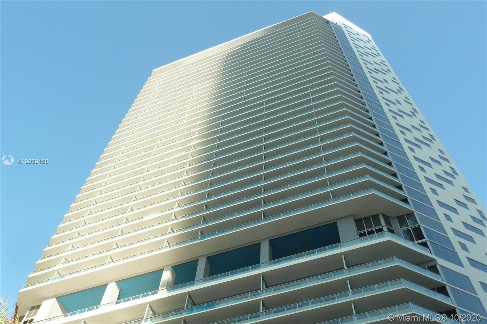 Investors Opportunity! Spacious 1 Bedroom | 1 Bath corner Unit at Brickell House. Top of the line ap