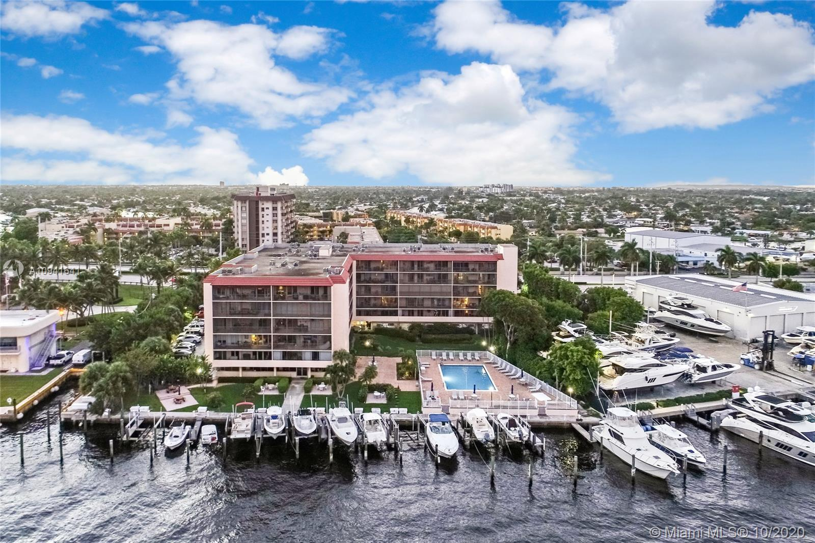 Lovely 2 bedroom, 2 bathroom condo in the well-maintained community Bay Yacht Harbor! This wonderful