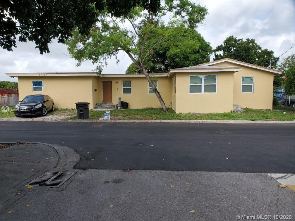 Newly remodeled home bring your buyers. Great starter home. Total Sq Ft.1675. Drive way will be comp