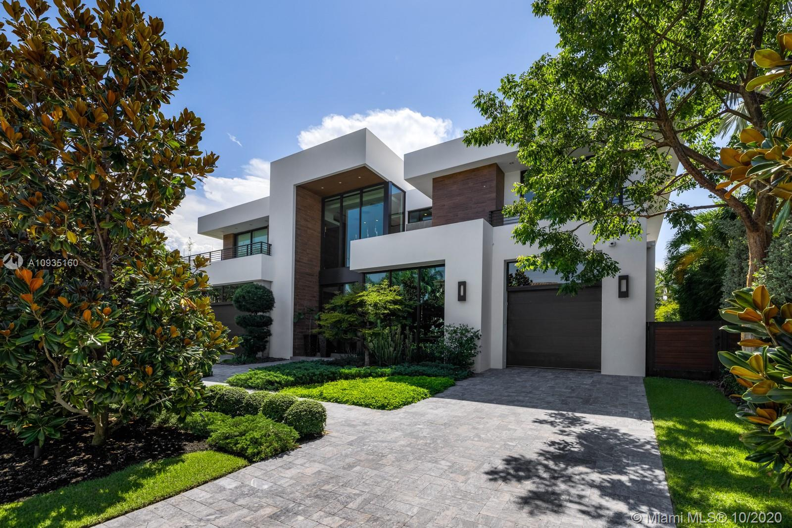 Spectacular design combined with magnificent modern finishes adorn this one of a kind waterfront mas