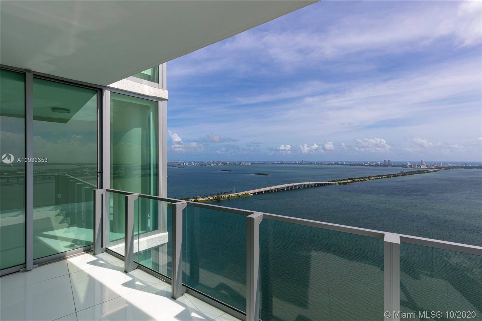 Tastefully finished and upgraded unit with amazing views of the Miami skyline and Biscayne Bay in pr