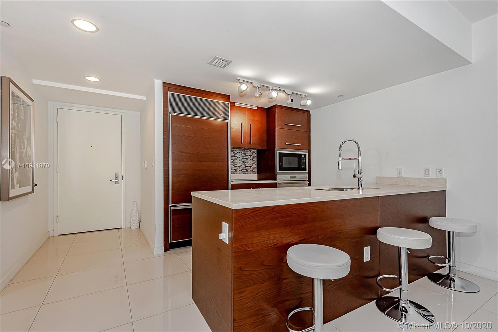 AMAZING UNOBSTRUCTED WATER AND CITY VIEWS LOOKING DIRECTLY AT THE MOUTH OF THE MIAMI RIVER. 1 BED/1