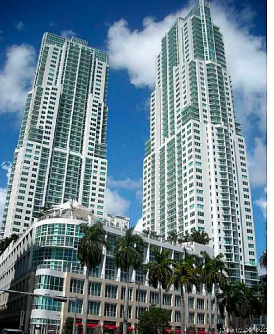 AMAZING 1BED/1.5BTH DUPLEX LOFT AT VIZCAYNE NORTH. GREAT LOCATION IN THE HEART OF DOWNTOWN MIAMI, WA