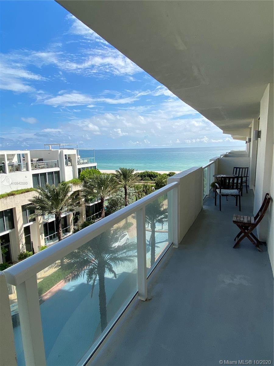Best line in the building line 03! 2 full bath 1 bedroom plus 1 DEN convertible in a room.  Great o